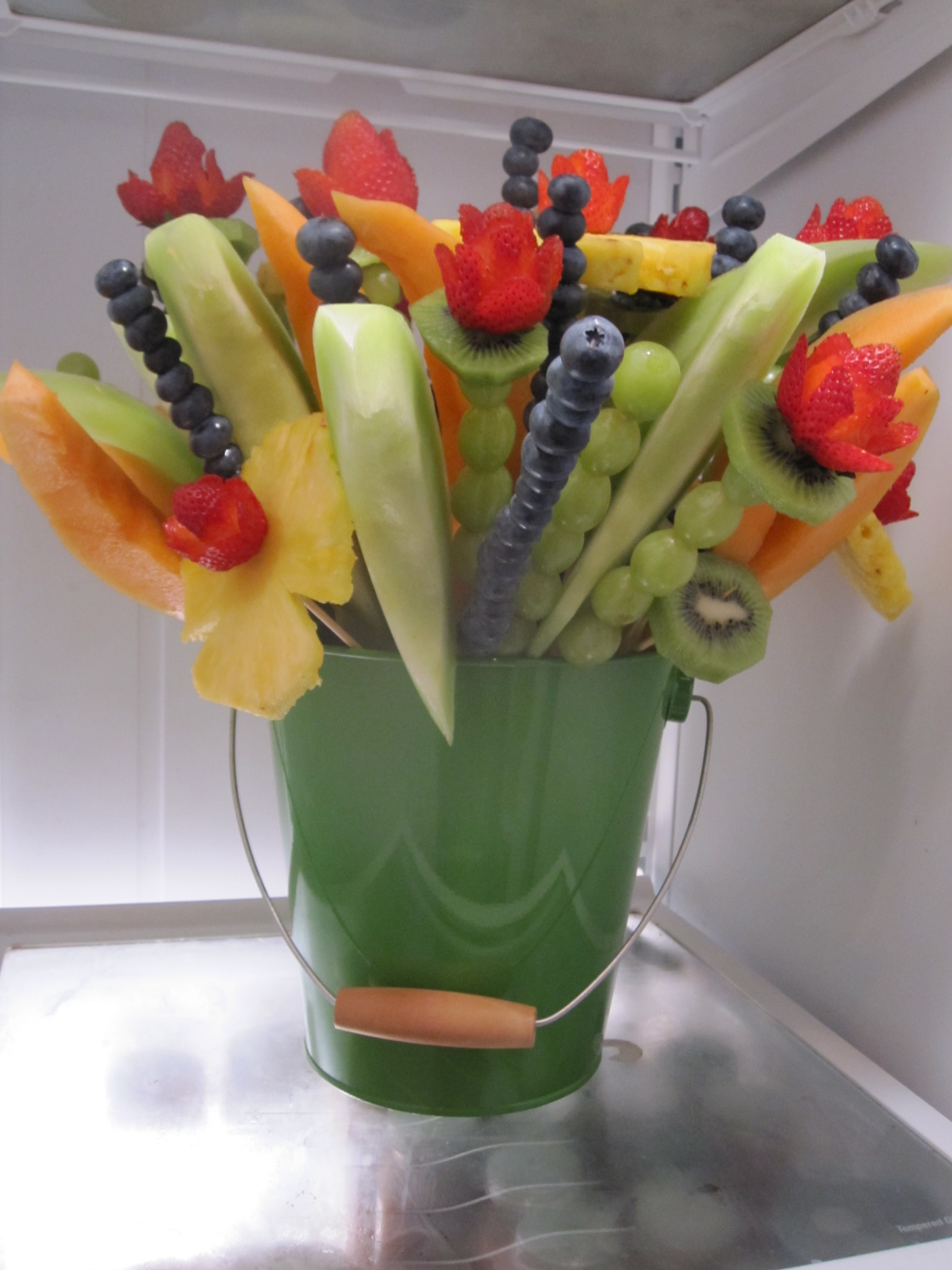 Baby shower power Fruit bouquet