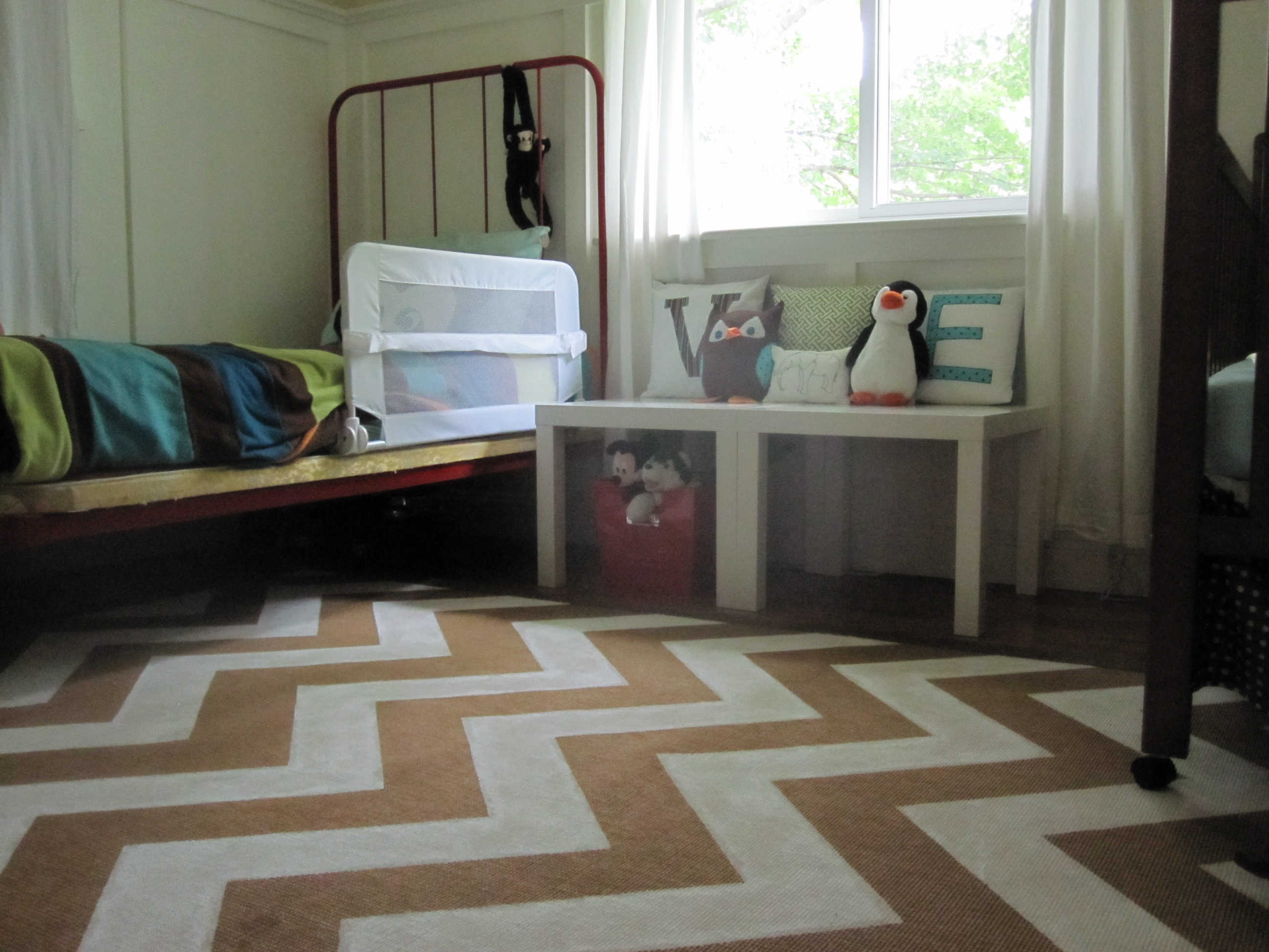 weekend painting chevron rug our humble abode. Black Bedroom Furniture Sets. Home Design Ideas