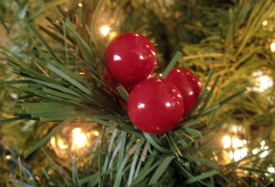 Red Berry Christmas Tree Decorations : Christmas ornaments red berries on tree our humble