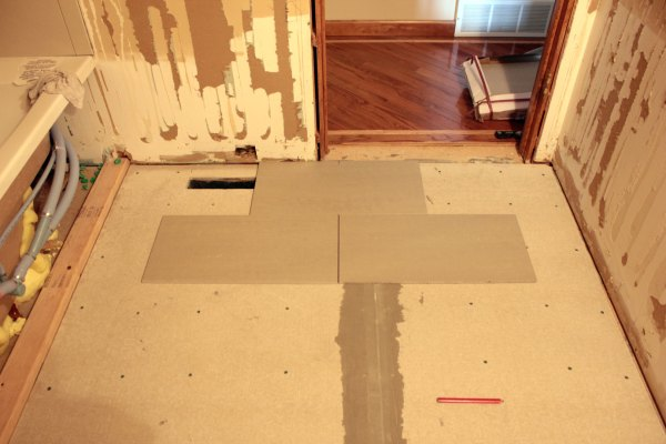 how to cut precisely vent hole in tile