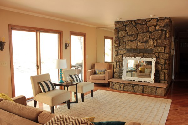 Square-Pattern-Rug-in-Family-Room-toward-Fireplace