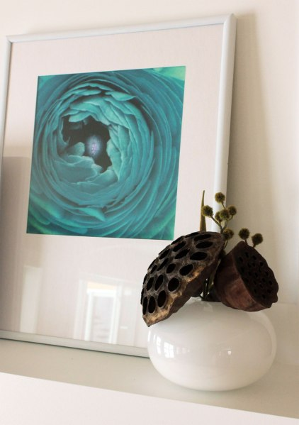 Art On Mantel Lotus Pods