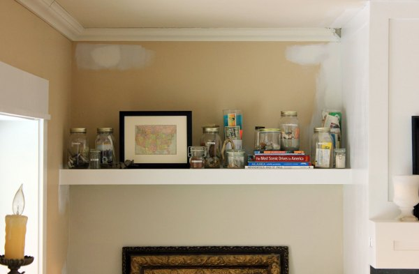 Family-Room-Bookshelf-Arrangement-Jars-and-Books