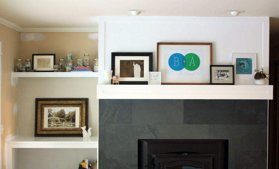 Family-Room-Bookshelf-Arrangement-Jars-with-Mantel