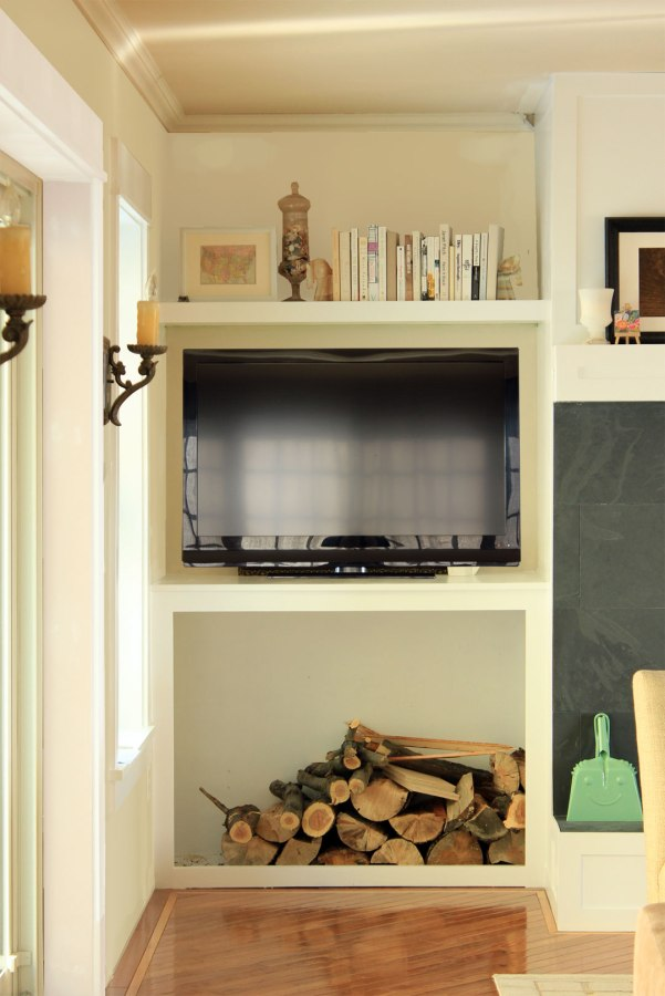 Family-Room-Nook-Photoshopped-with-Painted-Walls