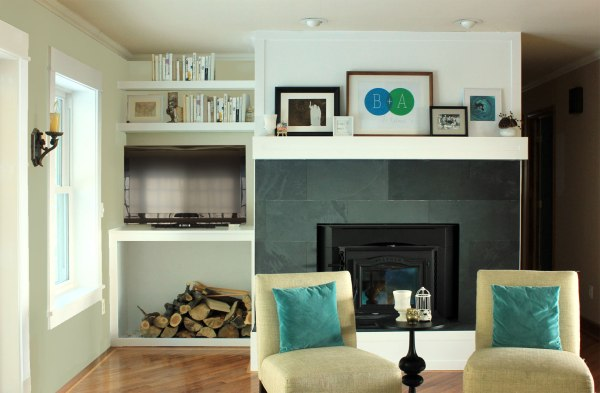 Family-Room-Nook-with-TV-and-Shelves