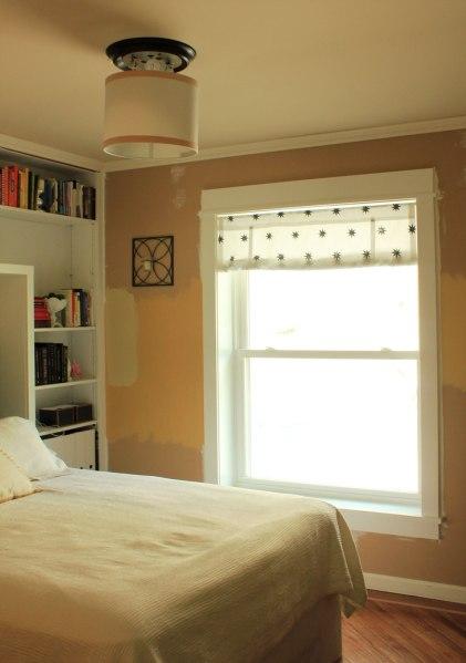 Drum-Shade-in-Guest-Bedroom