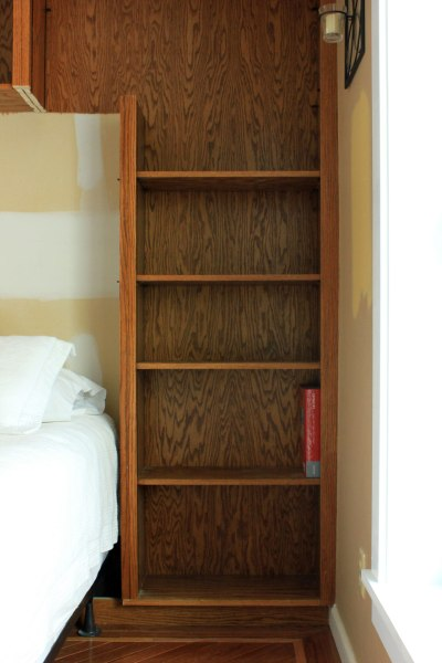 Guest-Bedroom-Bookshelf-Framing