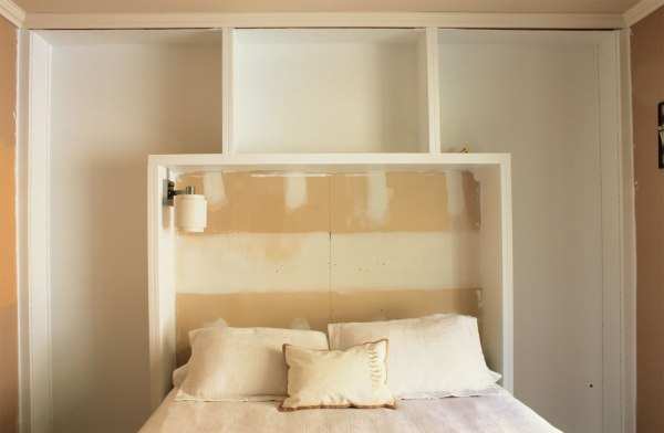 Guest-Bedroom-Painted-Backs