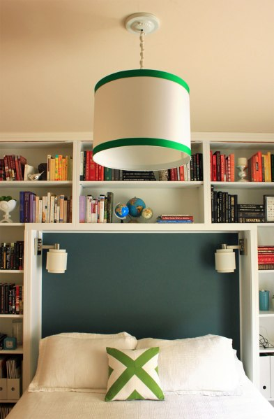 Guest-Bedroom-Pendant-and-Green-Pillow