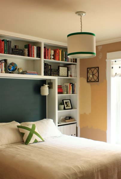 Guest-Bedroom-Pendant-with-Green