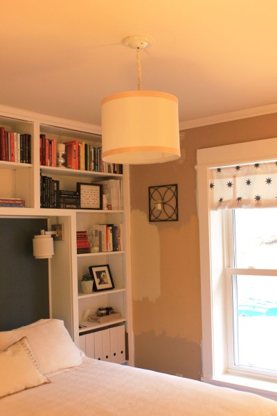 Guest-Bedroom-Pendant-with-Wood