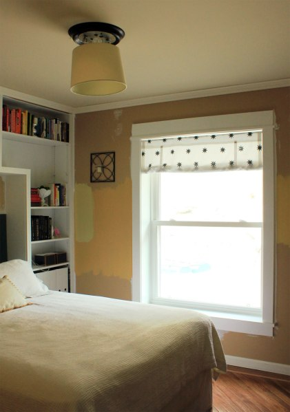 Table-Lamp-Shade-in-Guest-Room