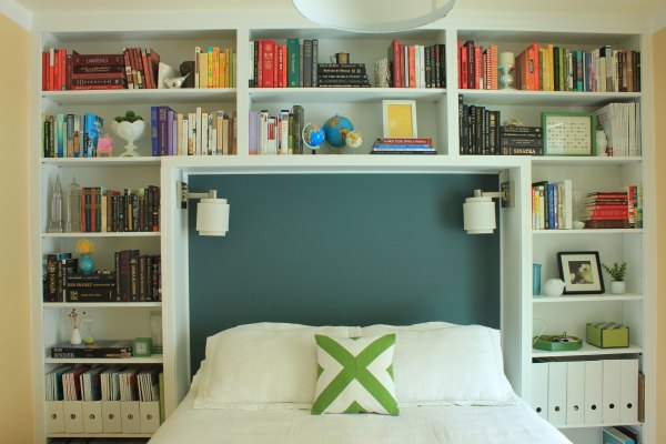 Guest-Room-Headboard-One-Year-Later