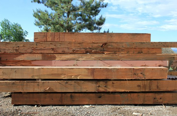 Back-Deck-Reclaimed-Beams