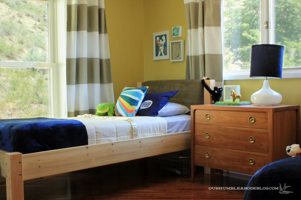 Boys-Bedroom-V's-Side