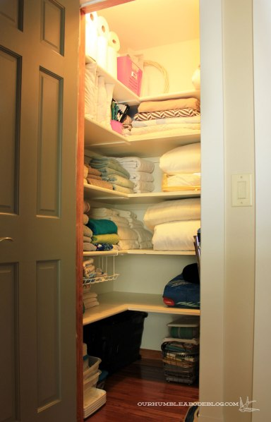 Linen-Closet-After-Organization