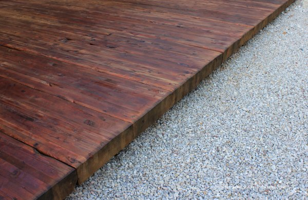 Stained-Back-Deck-and-Rocks