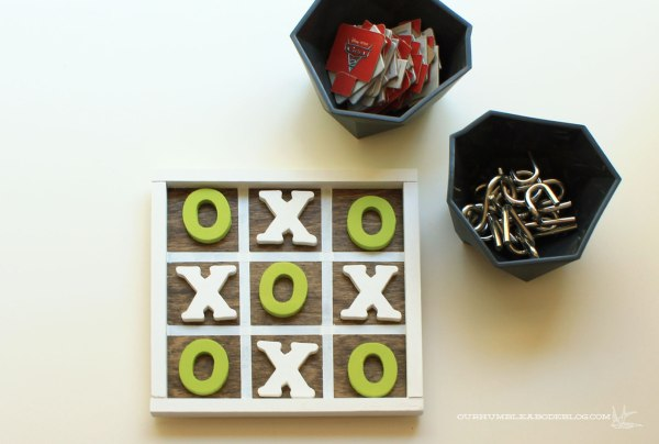 Tic-Tac-Toe-Board-with-Game-Bowls