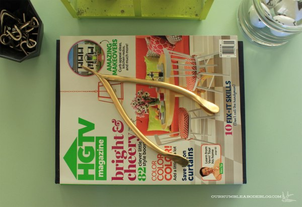 Gold-Clay-Wishbone-on-Magazines