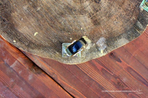 Stump-Table-Caster-Detail
