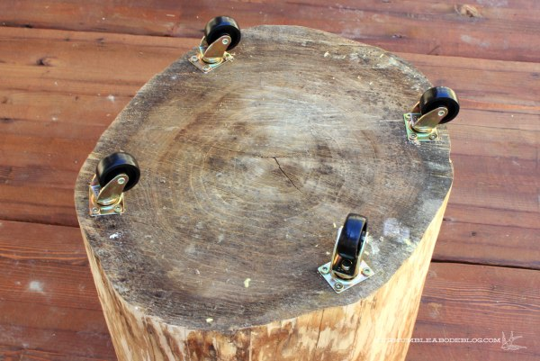 Stump-Table-with-Casters