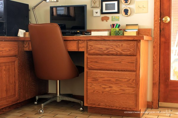 Vintage-Rolling-Desk-Chair