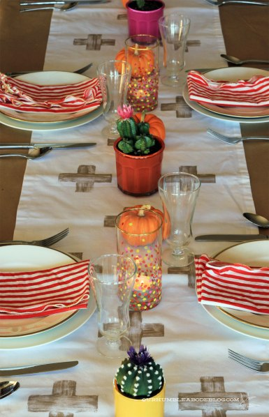 2013-Thanksgiving-Table-Setting-Cactus-Centerpieces