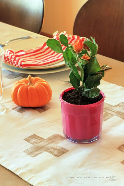 2013-Thanksgiving-Table-Setting-Cactusl