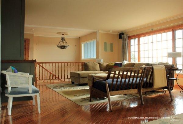 MCM-Sofa-in-Living-Room-Back