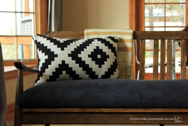 MCM-Sofa-in-Living-Room-Detail
