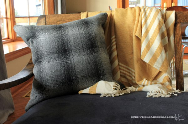 Plaid-Pillow-Fabric-Front