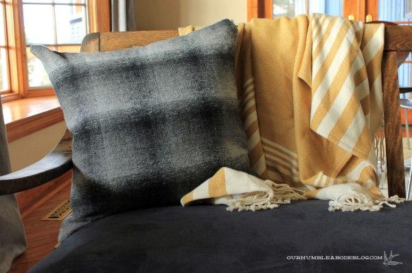 Plaid-Pillow-Fabric-Inside