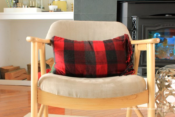 Christmas-Home-Tour-Scarf-Pillow