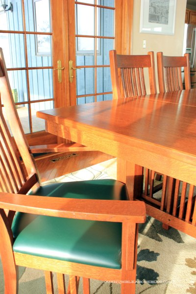 Dining-Table-Chair-and-TAble