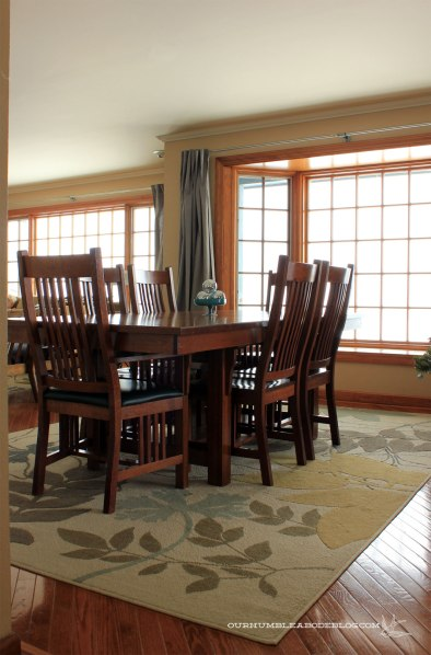 Dining-Table-from-Kitchen