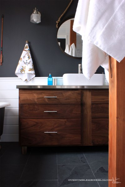 Master-Bathroom-Vanity-with-Handles