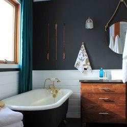 Master Bathroom Tub and Vanity