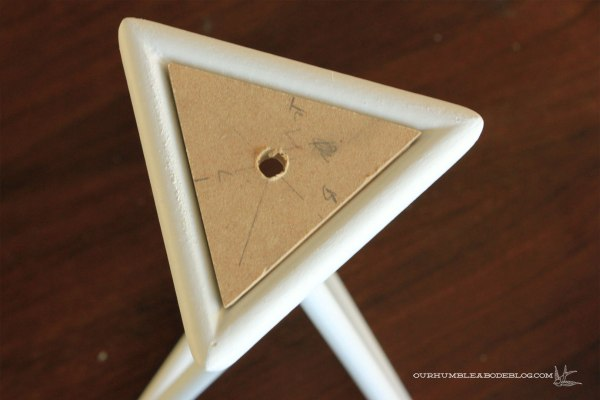 Isosceles-Table-Lamp-Top-Triangle-In