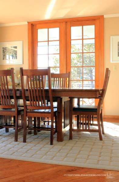 Grid-Rug-in-Dining-Room-Close