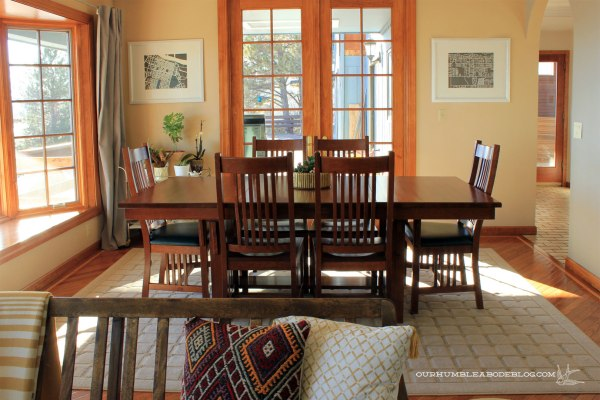Grid-Rug-in-Dining-Room