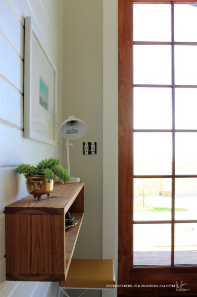 Finished-Front-Door-Trim-Detail