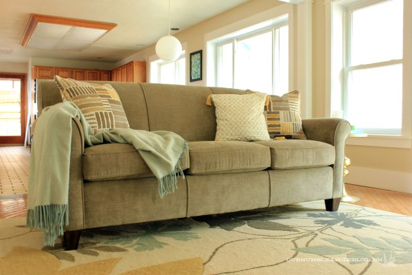 Flexsteel-Dana-Sofa-in-Family-Room-Toward-Kitchen