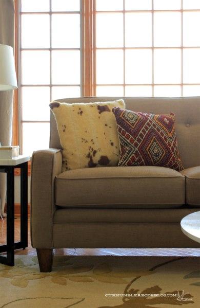 Flexsteel-Rachael-Sofa-in-Living-Room-Arm-Detail