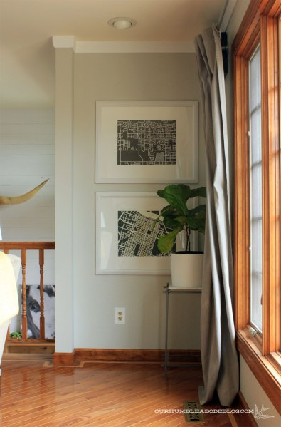 Map-Art-by-Window-in-Living-Room-with-Fig