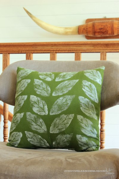 Green-Leaf-Pillow-Detail