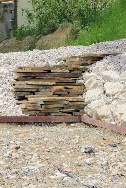 Stacked-Stone-Steps-to-Bocce-Court