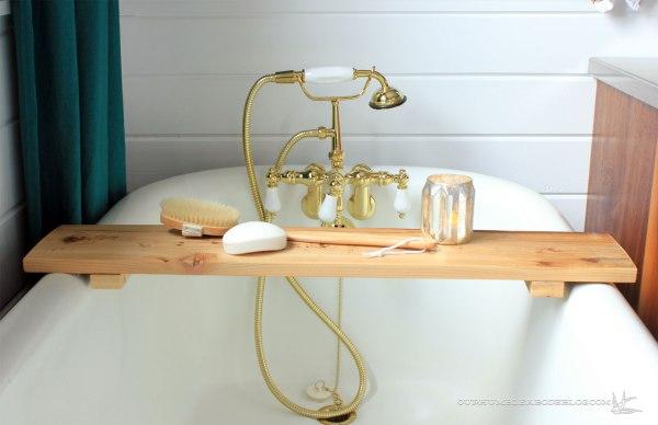 Cedar-Tub-Shelf