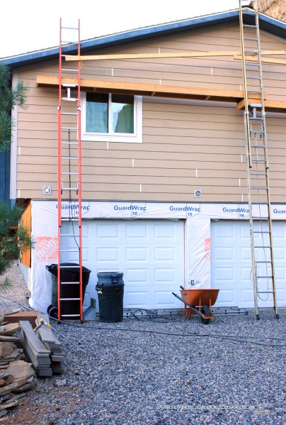 Lap-Siding-Garage-End-Finished