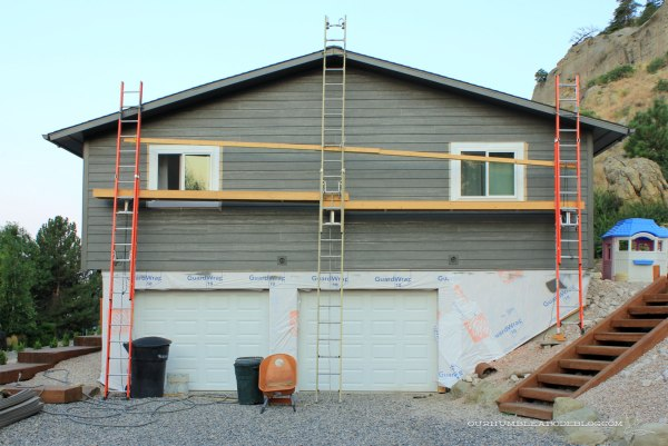 Painting-Siding-Garage-End-Almost-Finished